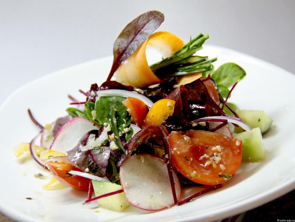 Salat_letnii_vegetarianskii